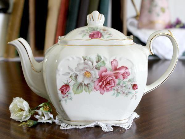 Windsor Sadler Tea Pot, Cube Teapot - Floral England 15222 #teapots Windsor Sadler Tea Pot, Cube Teapot - Floral England 15222 – The Vintage Teacup #teapotset