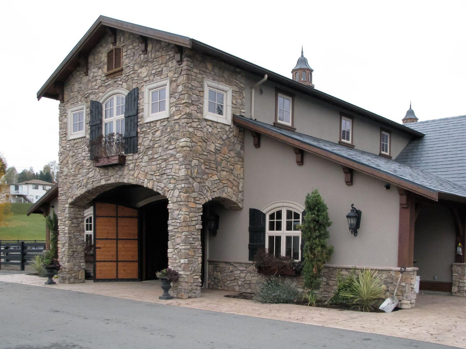 Loewen Barn love the living quarters above   Luxury barn ...