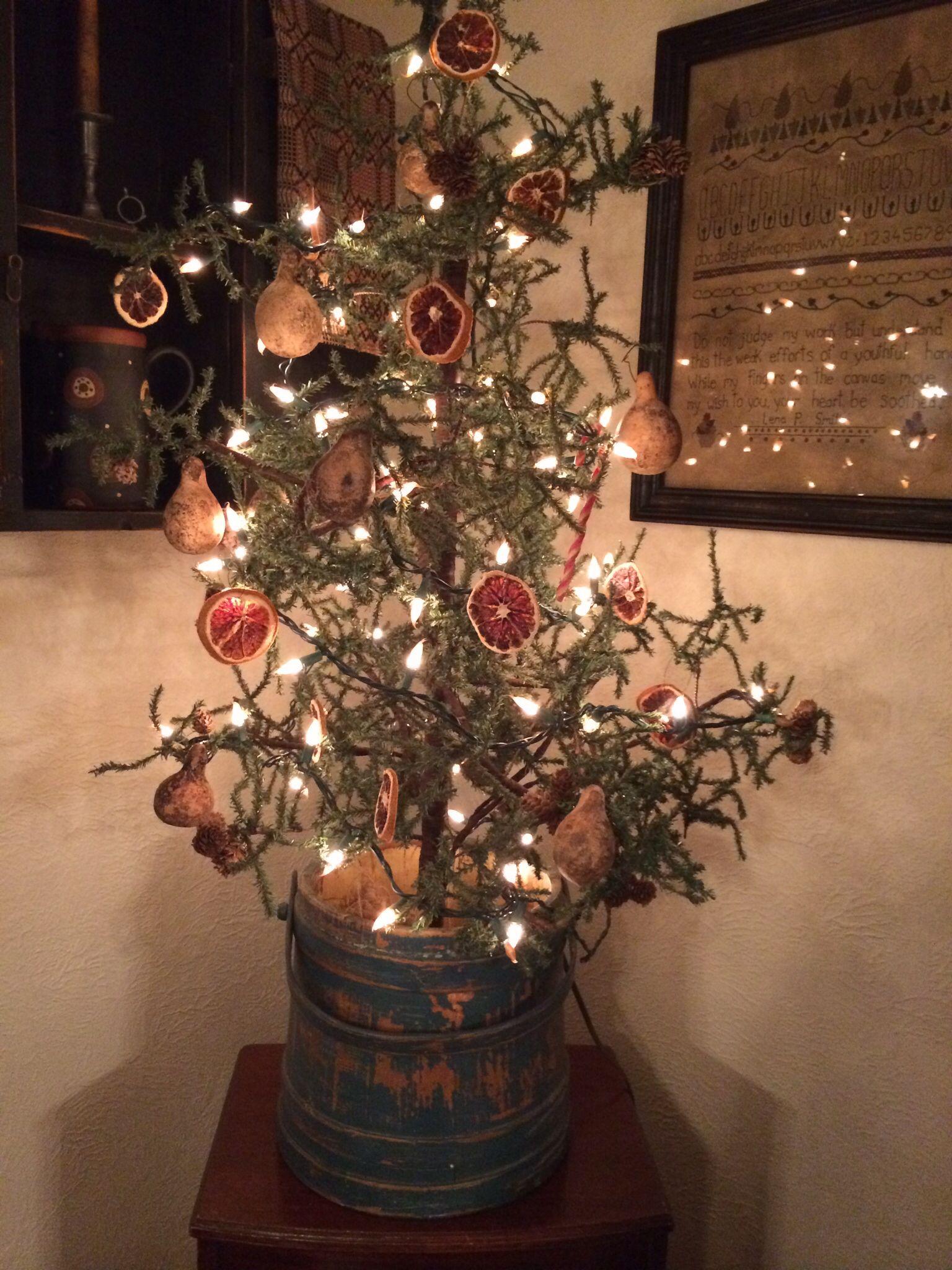 Prim Tree Country Christmas Trees, Primitive Christmas Tree, Primitive  Christmas Decorating, Old Time