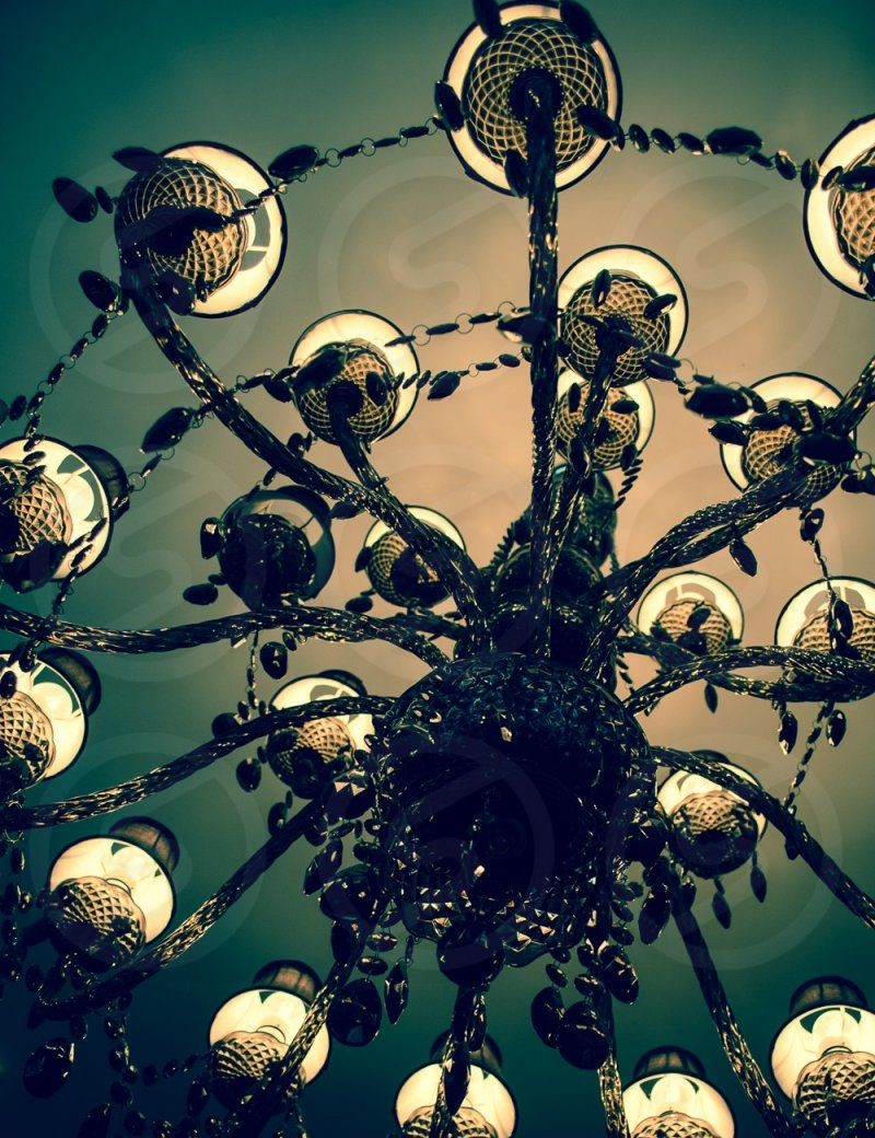 Photo by Laura Orlando - atmospheric, style, room, lighting, chandeliers #home