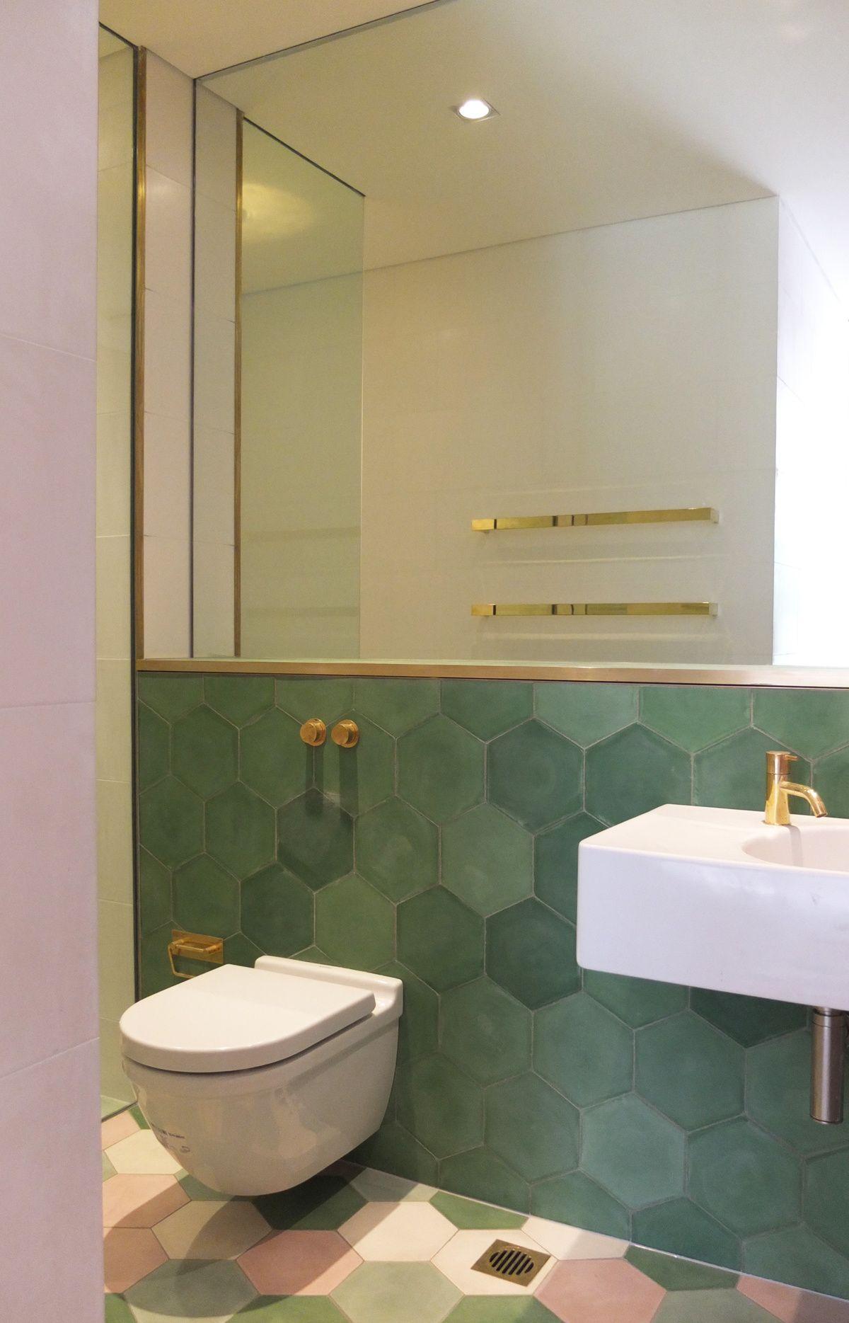 Miroir Salle De Bain Siehr ~ Toilettes D Coration Vert Dor S Et Blanc Salle De Bains