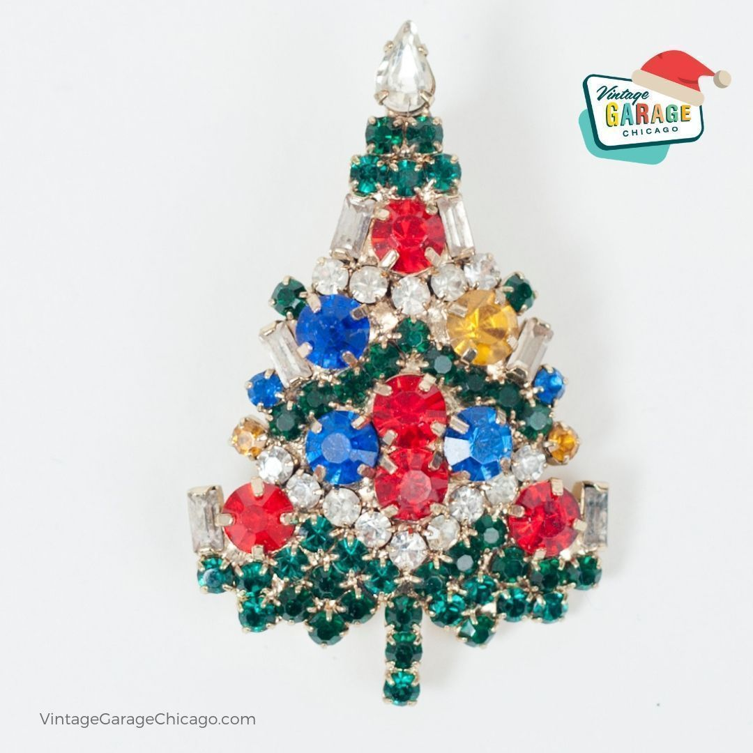 If Your Ever Stuck For A Gift Idea You Should Consider Vintage Holiday Themed Costume Jewelry Ch Vintage Ornaments Chicago Christmas Vintage Christmas Tree