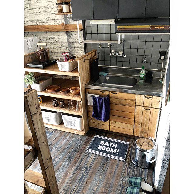 狭いキッチンのゴミ箱置き場 デッドスペースを作らない賢いアイデア実例大公開 Folk 狭い キッチン 狭いキッチン レイアウト ゴミ箱 キッチン