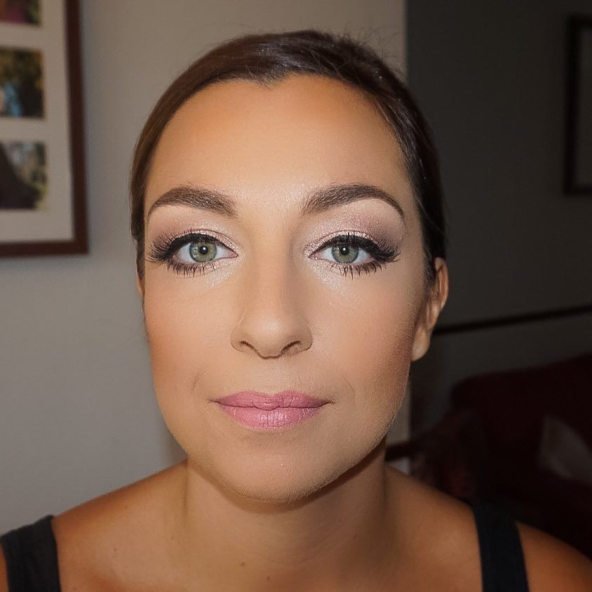 Shimmery soft pinky tones on the eyes for this beautiful bridesmaid  #makeup #makeupaddict #makeupjunkie #makeuplover #makeupartist #makeover #lipgloss #brows #highlight #contour #lashes #bridesmaid #bridesmaidmakeup #wedding #weddingmakeup #weddingideas