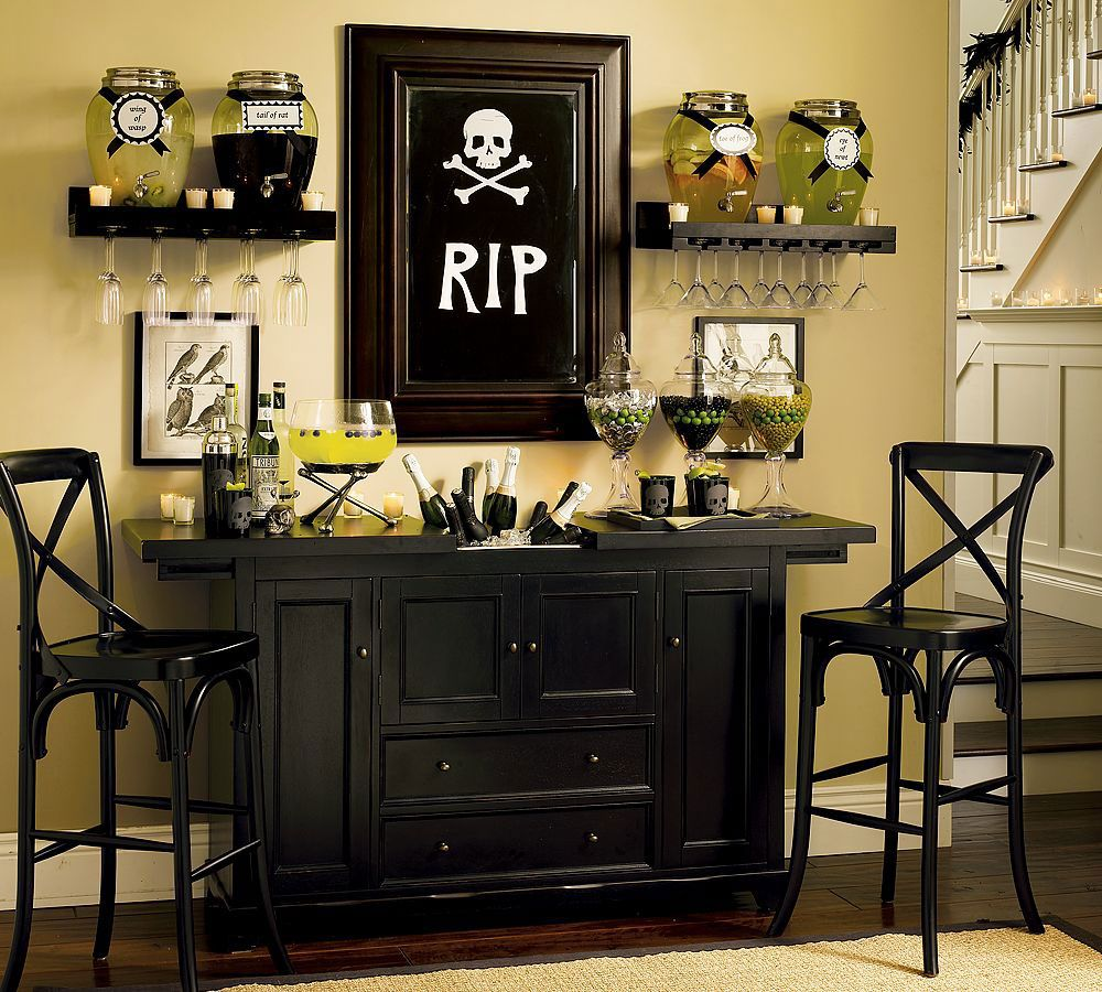 Stunning-pottery-barn-with-Swanky-Halloween-Party-Ideas-and-Spooktacular-Halloween-also-Kim-Vallee-With-the-carefully-edited-mix-of-pumpkins-and-a-RIP-and-a-skull-and-cross-bones-also-Hostess-the-Mostess.jpg (1000×900)