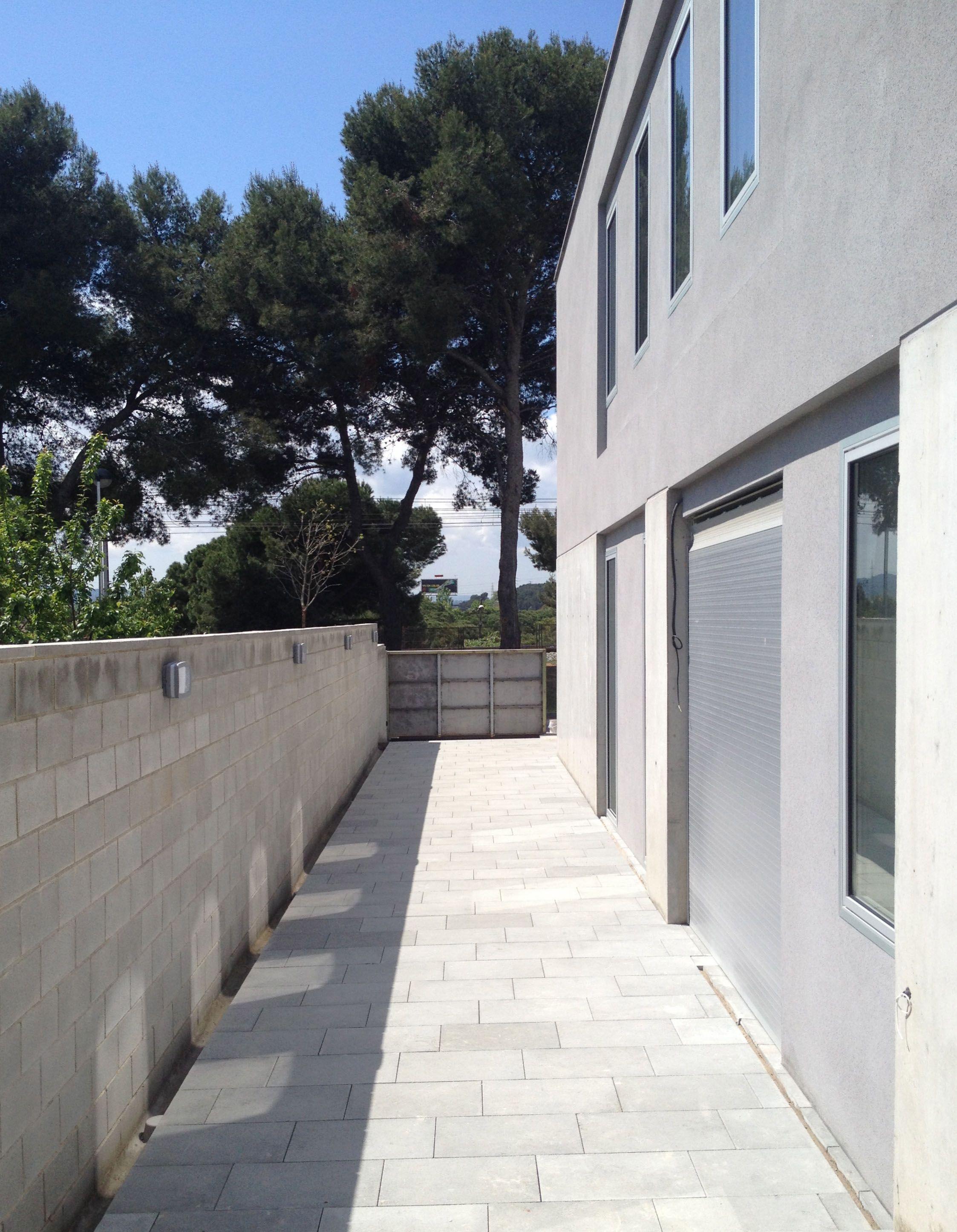 Pasillo de acceso casa w 08023 arquitectos barcelona - Despacho arquitectura barcelona ...