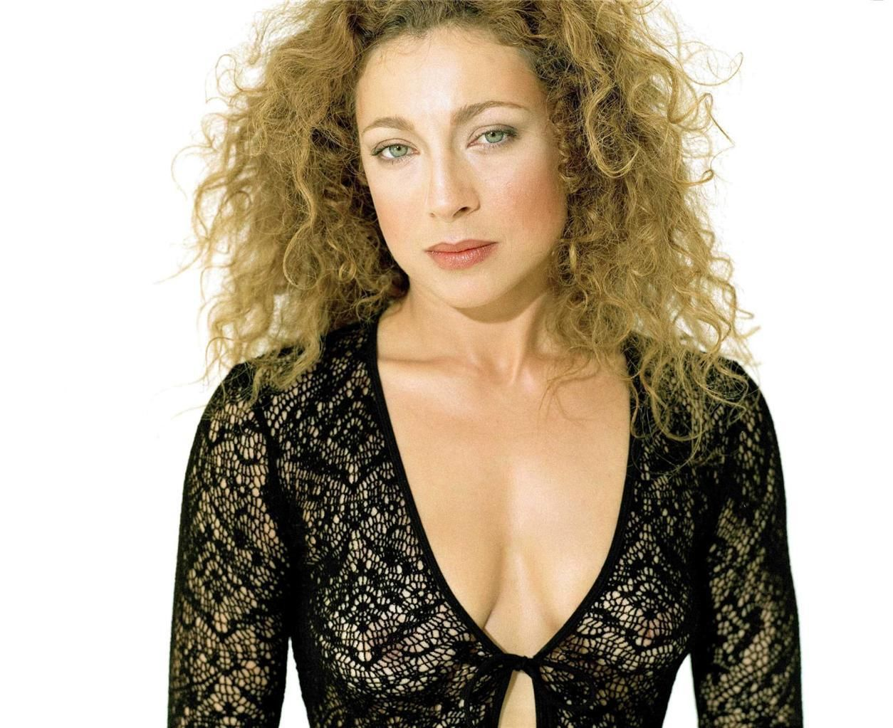 Alex Kingston (born 1963)