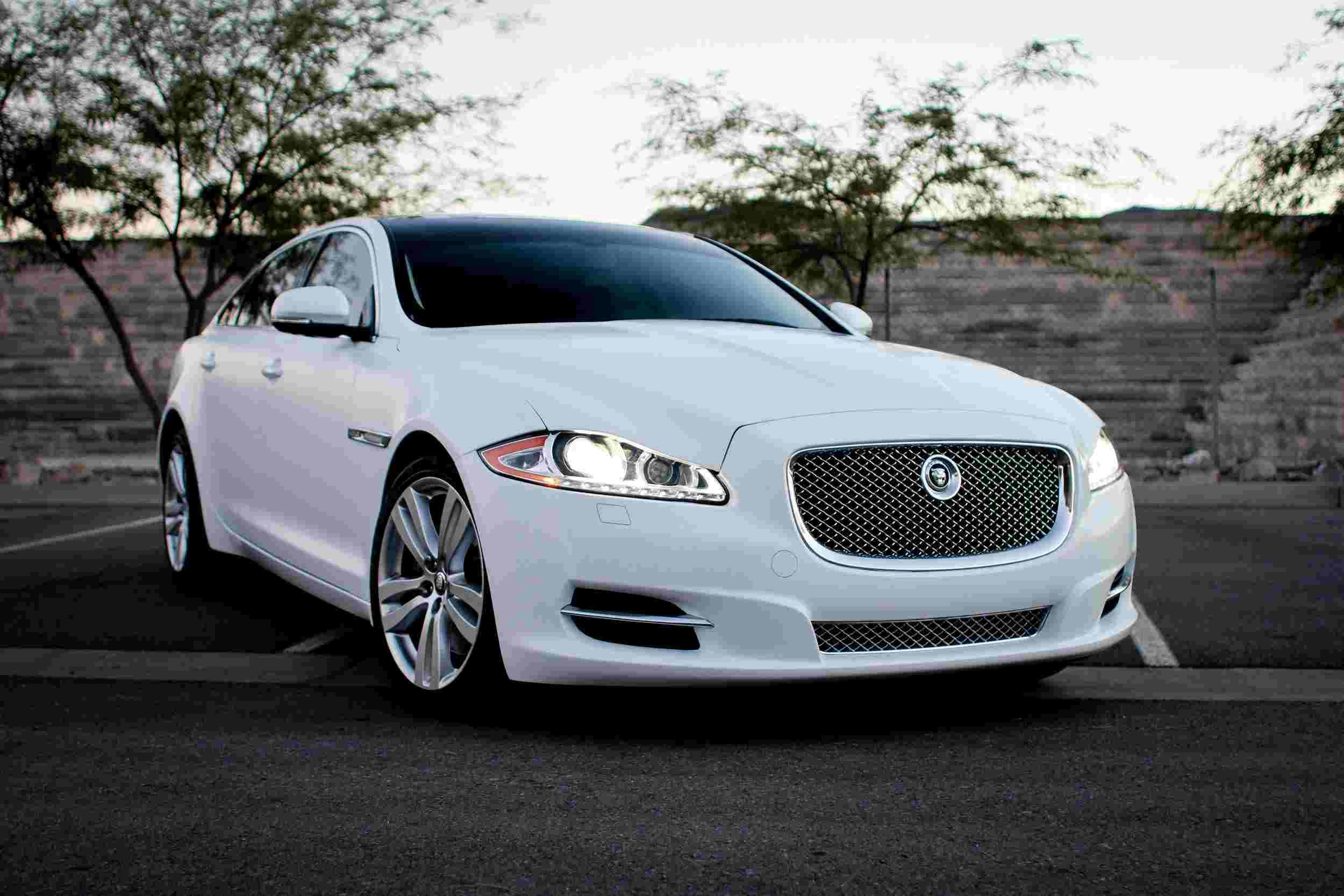 Why Get A Taxi From London To Gatwick Airport Car Rental Luxury Car Rental Jaguar Xj