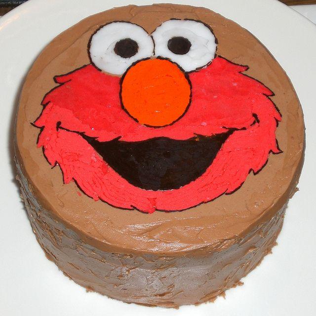 Elmo birthday cake - video on transferring picture to cake