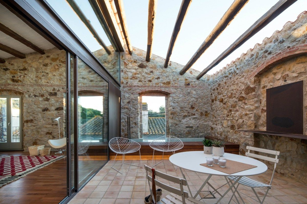 une grange r nov e couleur design planete deco a homes world toit terrasse pinterest. Black Bedroom Furniture Sets. Home Design Ideas