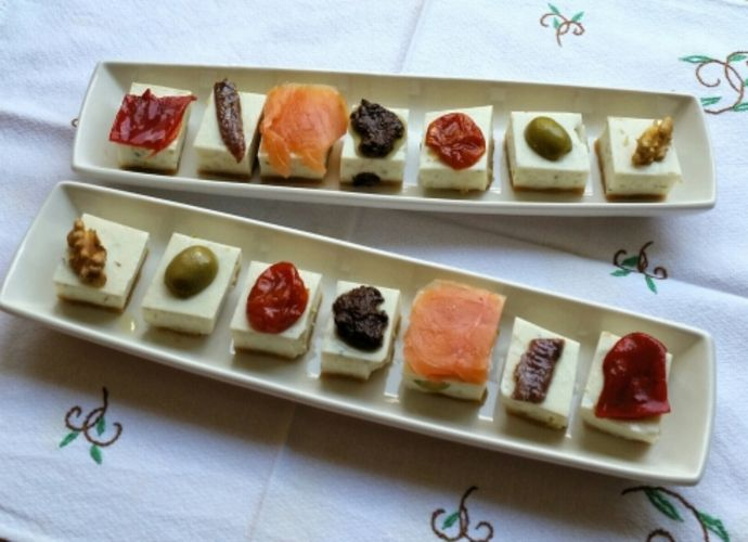 Montaditos de tarta de queso salada para #Mycook http://www.mycook.es/receta/montaditos-de-tarta-de-queso-salada