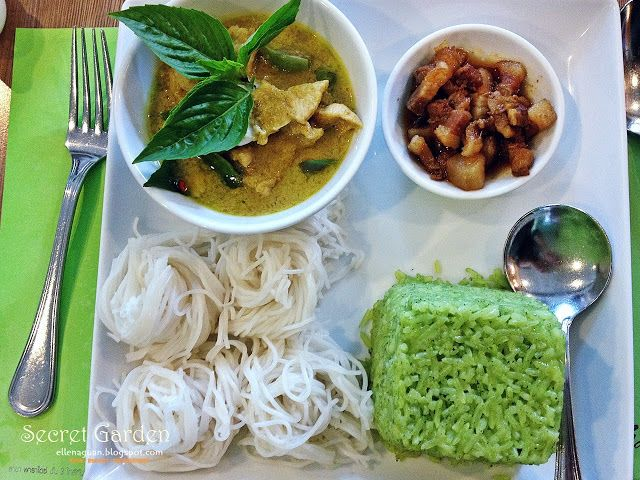 Cuisine Paradise Singapore Food Blog Recipes Reviews And Travel Day 4 Lunch At Secret Garden Thai Cuisine And Bakery Cuisine Food Lunch