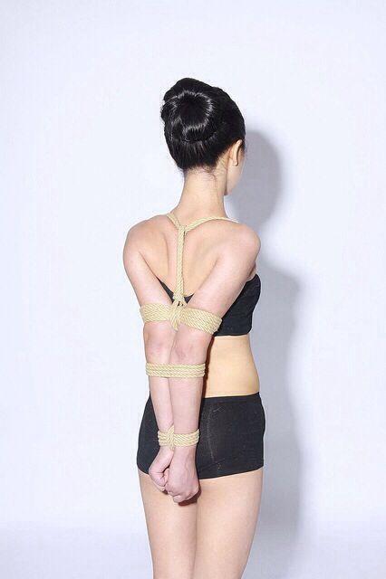 2 chinese girls bondage game full 9