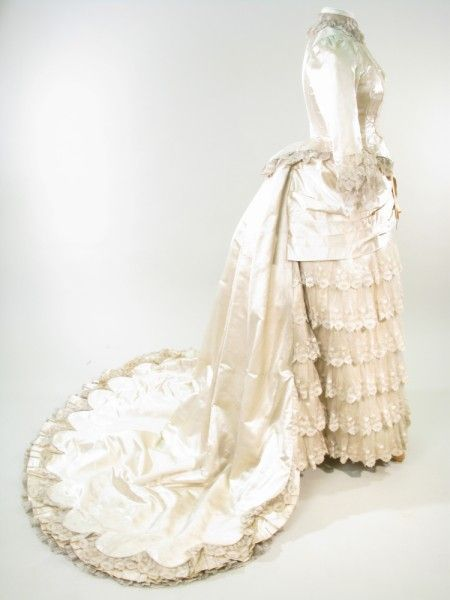 Wedding dress c.1886 From the Manchester Art Gallery | vintage ...