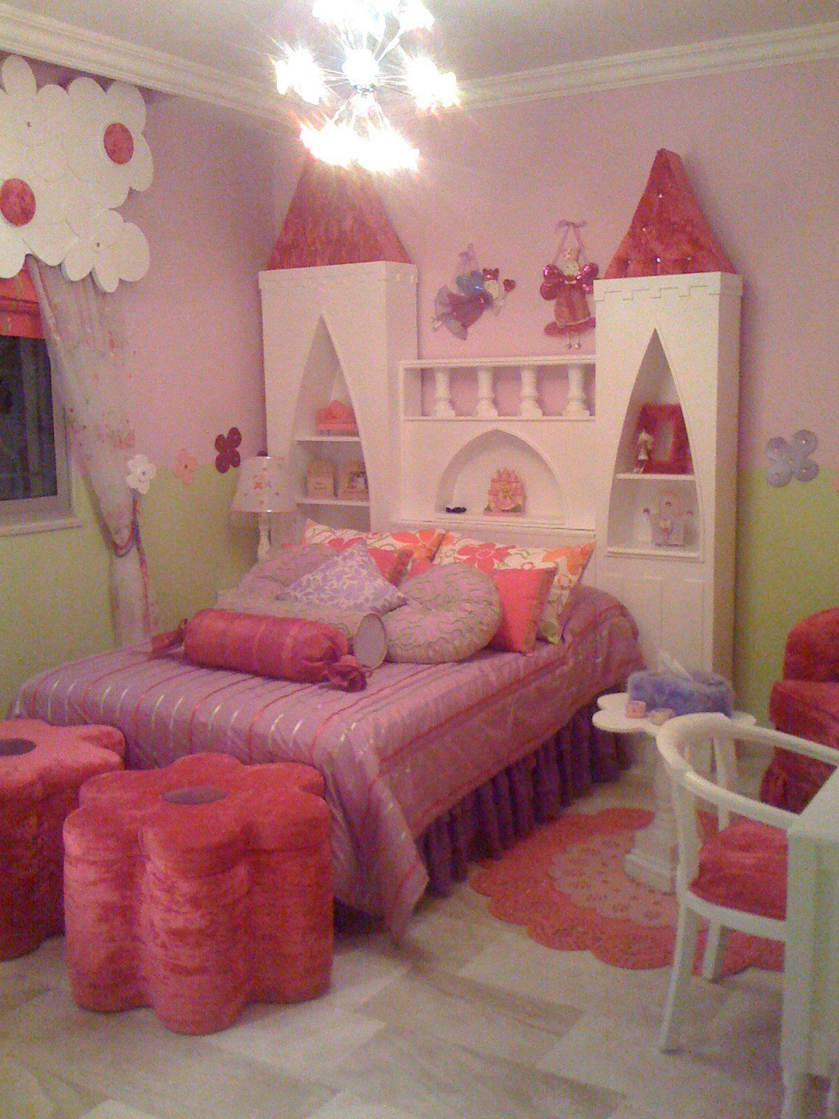 Princess Room Designs: Princess Room Decor, Castle Bed