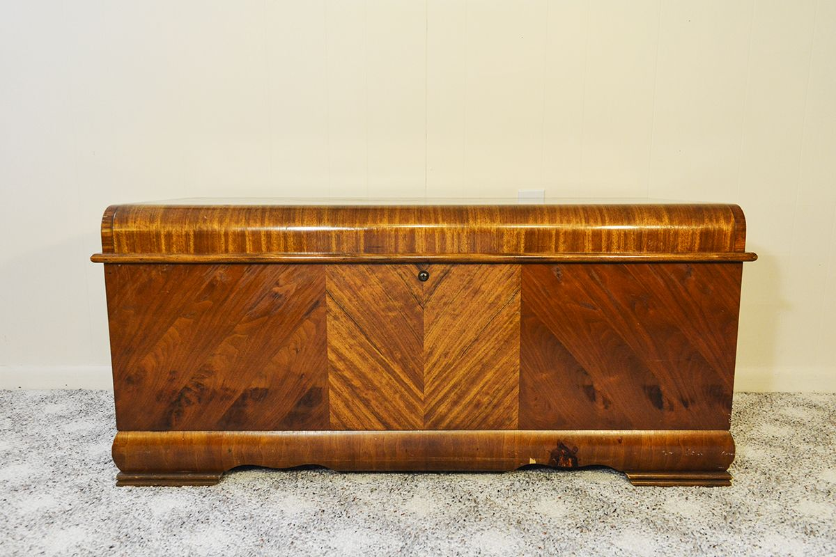 1951 Vintage Lane Cedar Chest - 1951 Vintage Lane Cedar Chest Hope Chest, Vintage And Antique