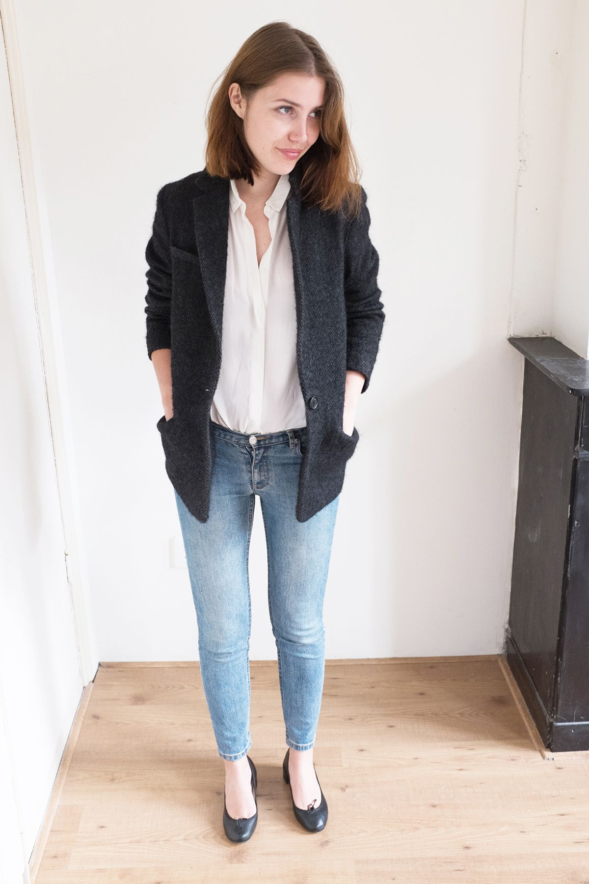321a8524dae86 Everlane Silk Shirt Outfit with Isabel Marant Jacket on www.sartreuse.com
