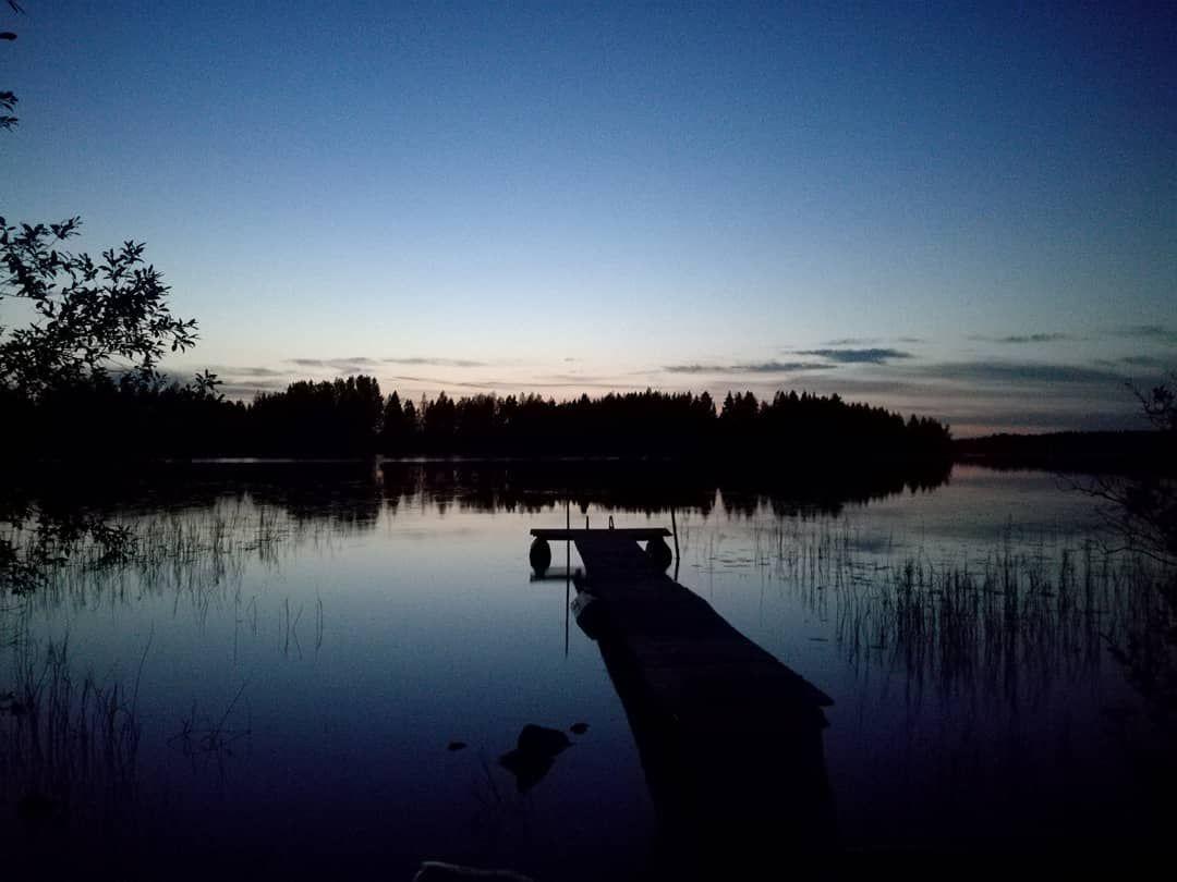 Blue moment at the lake