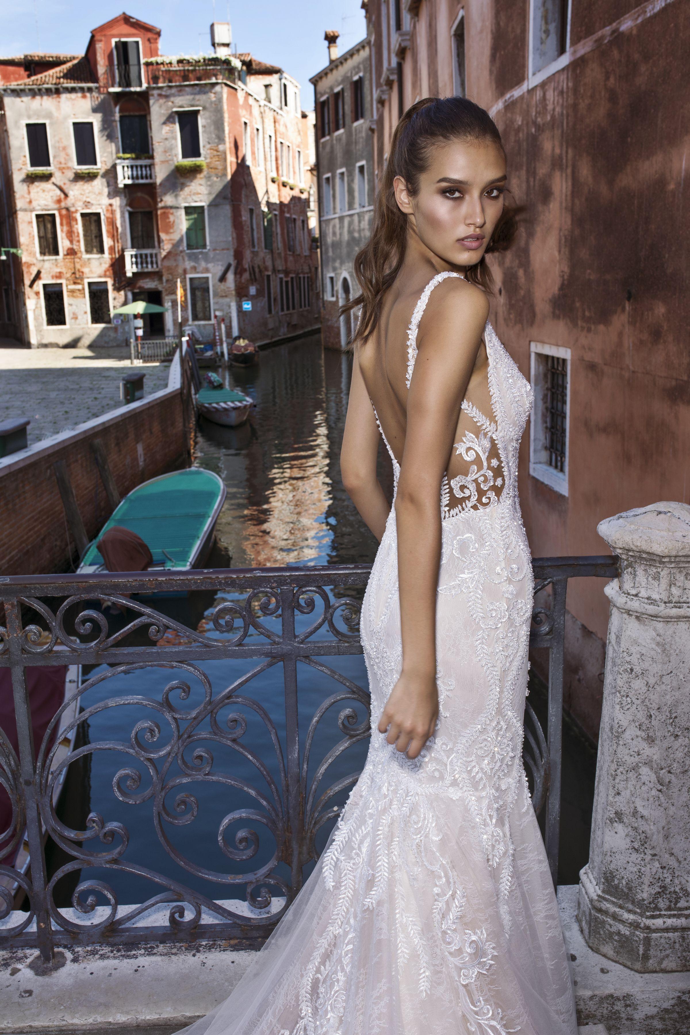 Collezioni Abiti Da Sposa.Pinella Passaro Bridal 2019 Venice Collection Collezioni Abiti Da