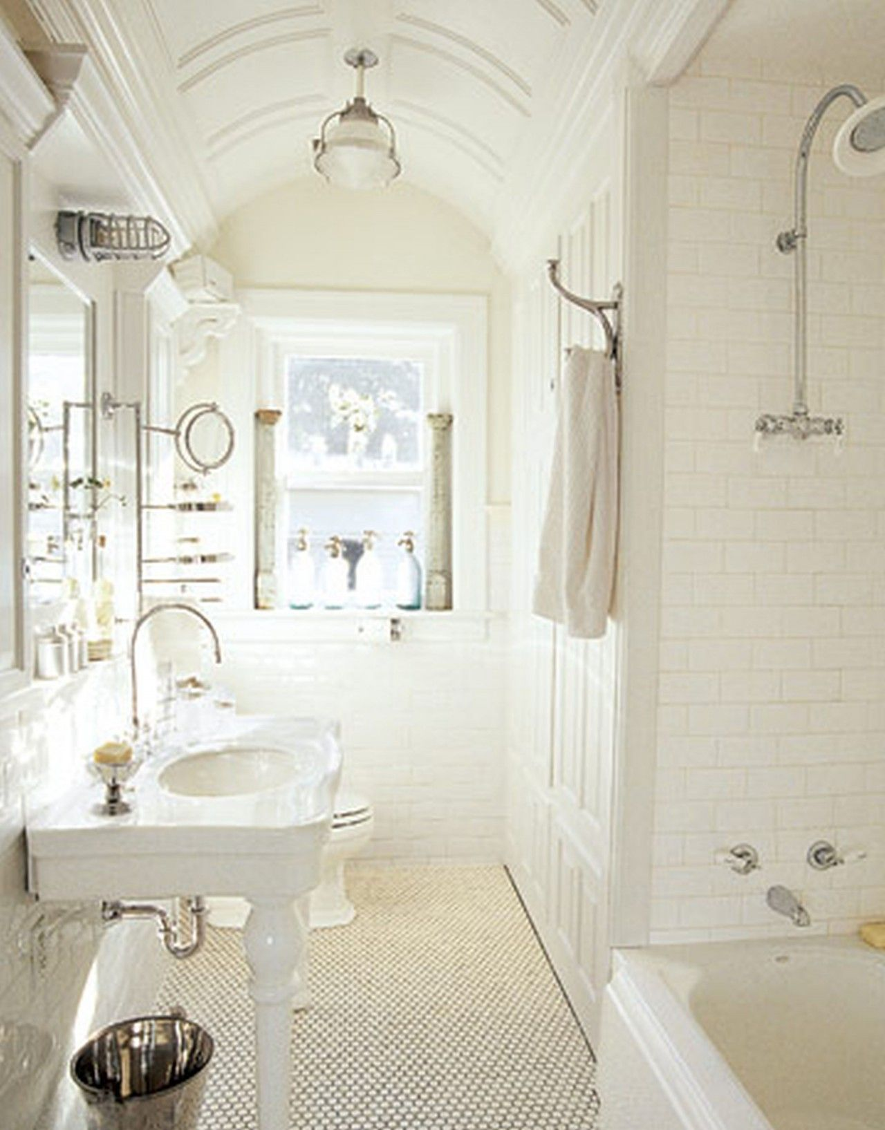 images of cottage tub shower | ... Coloration - Cottage Bathroom ...