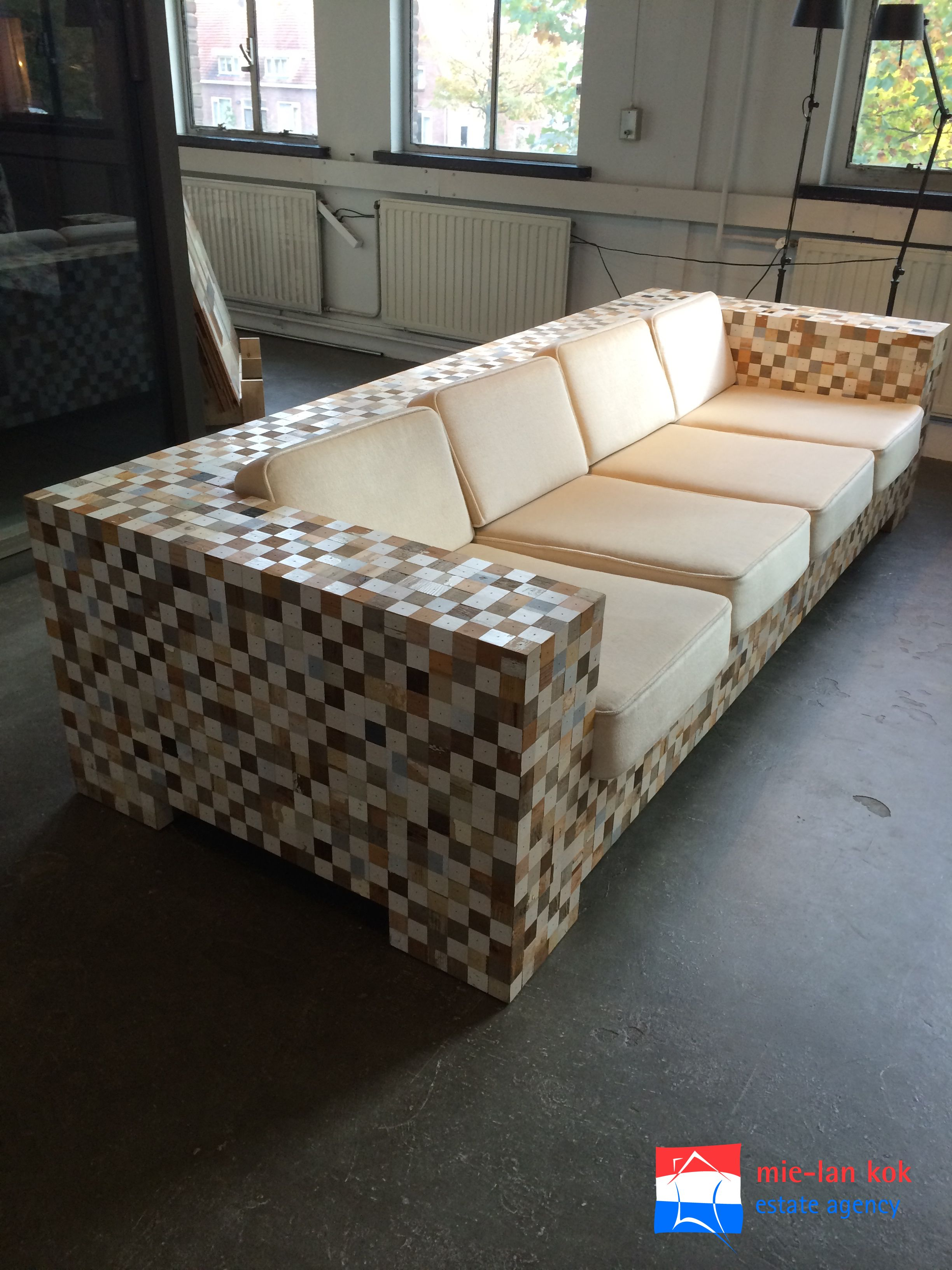 Waste Couch Of Piet Hein Eek The Waste Project Came Into Existence More Than Ten Years Ago As A Reaction To The Annoyance Of Having To Throw Awa Meubels Opslag