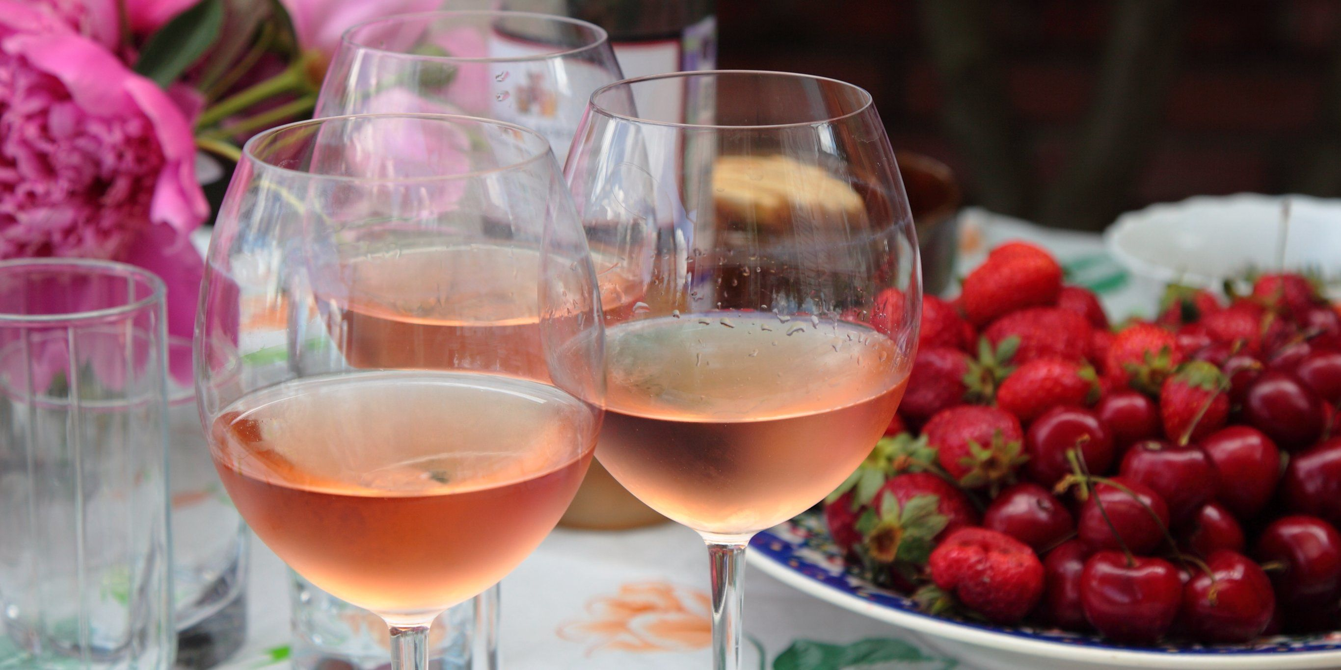 This 5 99 Bottle Of Rose From Aldi Has Been Ranked Among The Best Wines In The World Wine Expert Best Rose Wine Wine Recipes