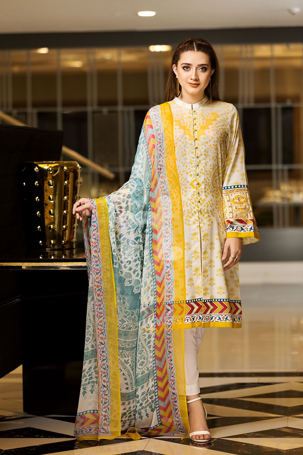 1a9e2e648afe ... Online Shopping in Pakistan. Beautiful off-white Pakistani dress  Pakistani Dresses Casual