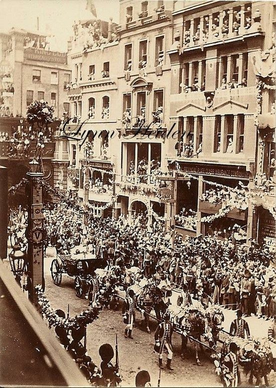 5/6....Queen Victoria Jubilee Procession, Ludgate Hill, London..1897..(60 years/Diamond) These 6 various views of the Procession are original Photographs that I bought in a scruffy old envelope a few years ago at a sale..