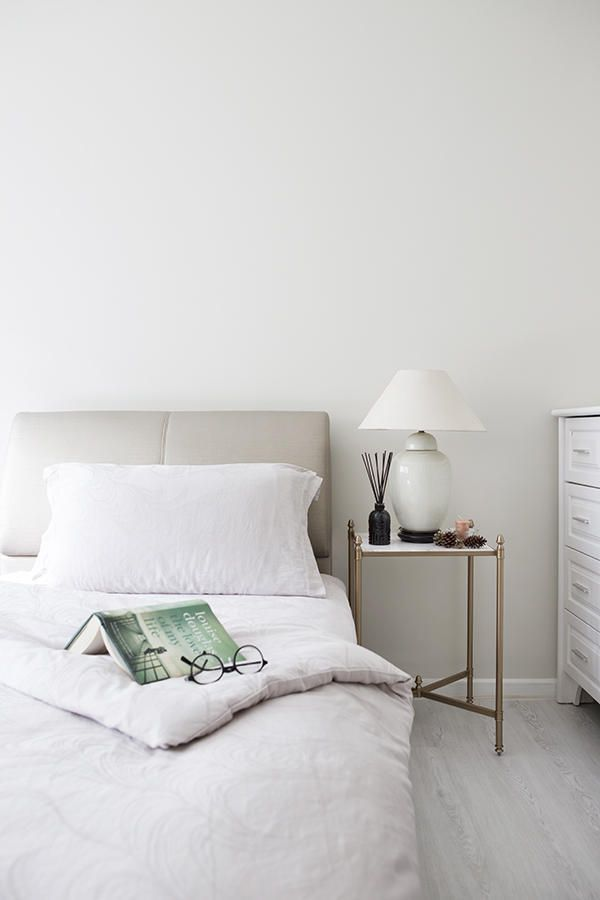 How your bedroom looks can affect how well you sleep, so it's important to design a space that's restful and soothing, not cluttered with things. The key is to go for clean lines, neutral or muted colours, soft textures and fuss-free details. Here are 10 dreamy bedrooms to inspire you: READ MORE: 18 Stylish And...  Read more »