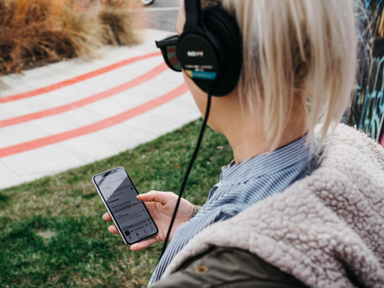 Top 5 Female Podcasts That Will Inspire You During Your