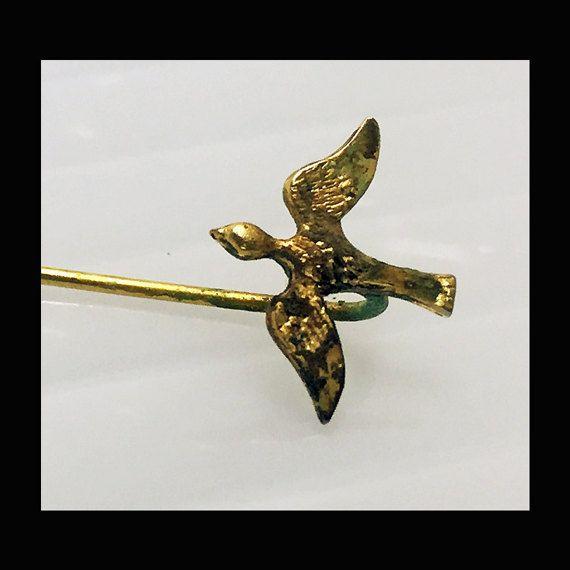 vintage gold bird hat/ shawl pin