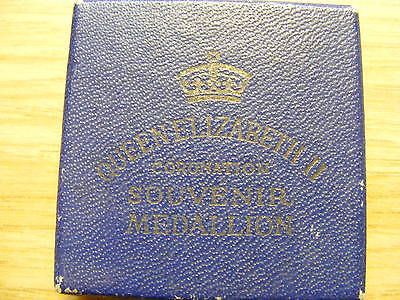 1953 queen #elizabeth ii #coronation medal in box  - good #condition - 33mm dia,  View more on the LINK: http://www.zeppy.io/product/gb/2/391466888163/