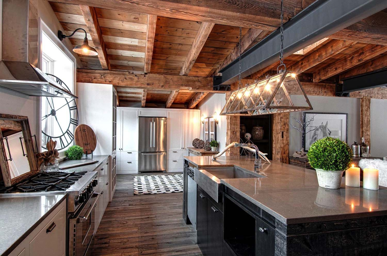 This Stunning Rustic Modern Residence Was Custom Designed By Canadian Based Timberworx Custom Home Rustic Kitchen Modern Rustic Homes Rustic Industrial Kitchen