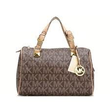 Michael kors bag and wallet. fall in love with it!