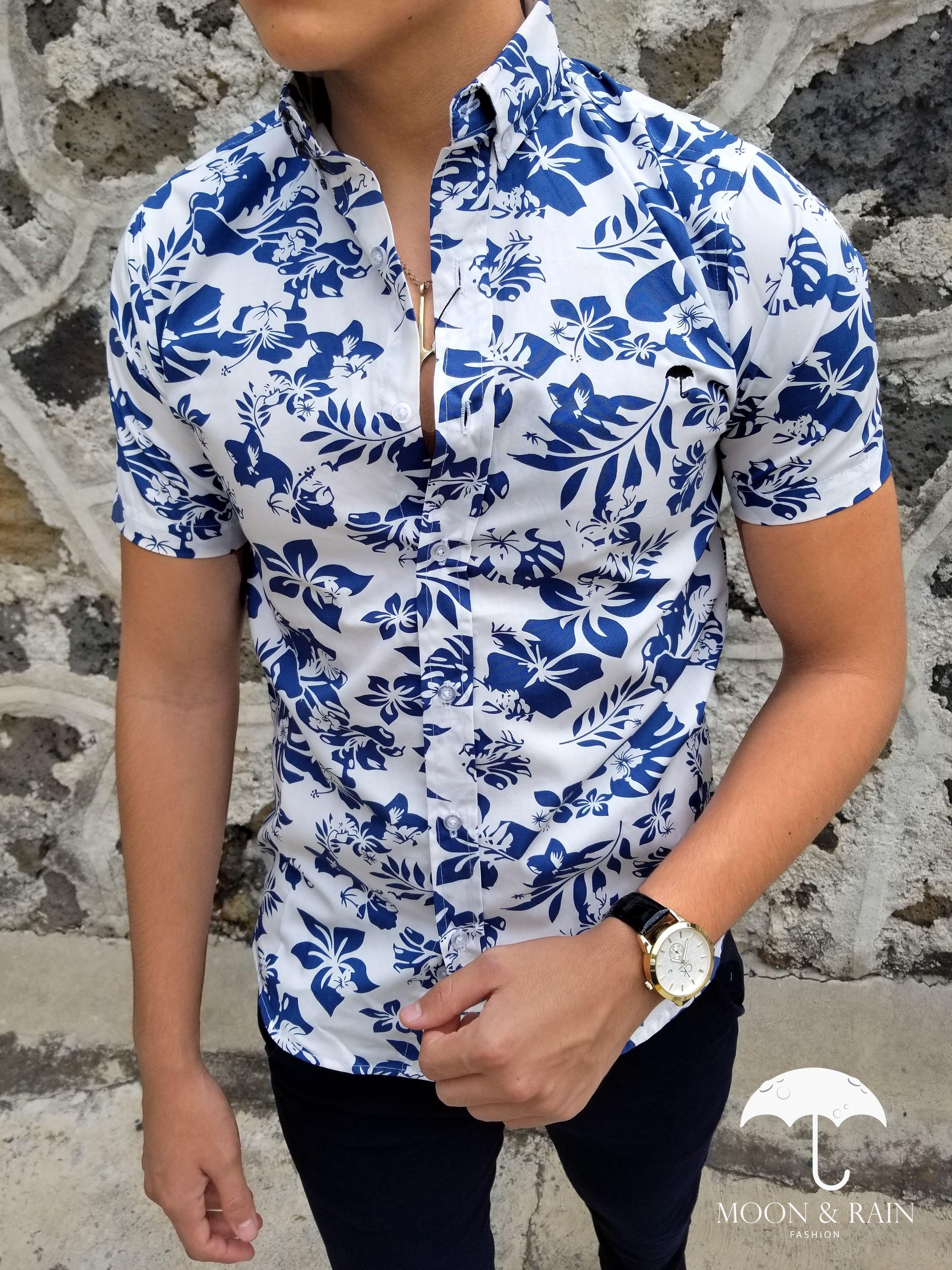 7e8f25081 Ropa para hombre ideal para una ocasión casual y o formal  Camisa Blanca de  Flores Azules