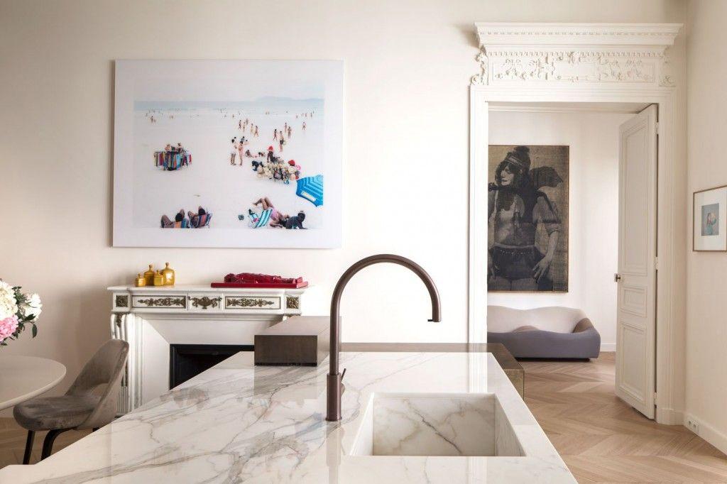 Moderne Kunst Keuken : In dit appartement wordt klassieke architectuur gemixt met moderne