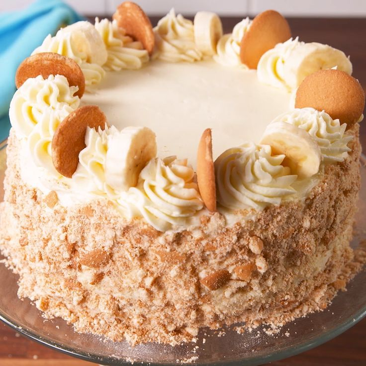 Banana Pudding Cake Though it will be hard, try to resist adding a ton of pudding in between the layers. Otherwise, things will get pretty messy. If that means there's extra pudding, so be it. We know you'll find some use for it. 😉 Get the recipe at .