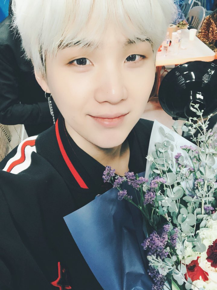 Yoongi selca 2018   Yoongi   Pinterest