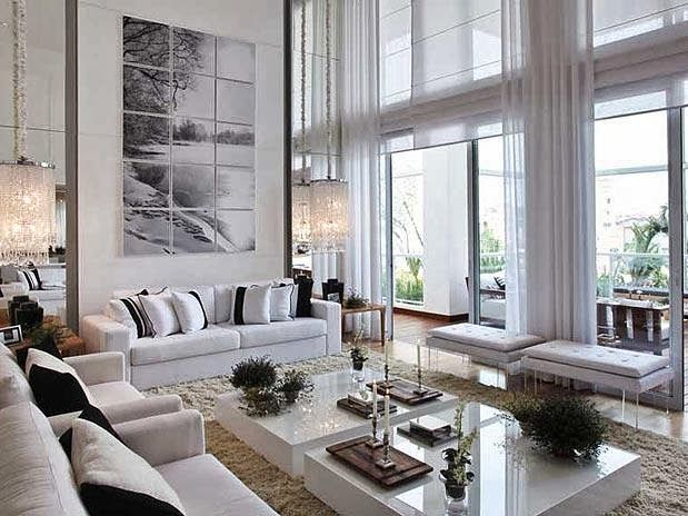 Casa 01 detalhes p direito duplo lumin rias cortinas for Salas de casas modernas