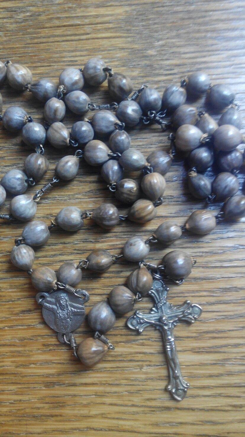 Rosario de semillas de San Pedro. De 60 cm.