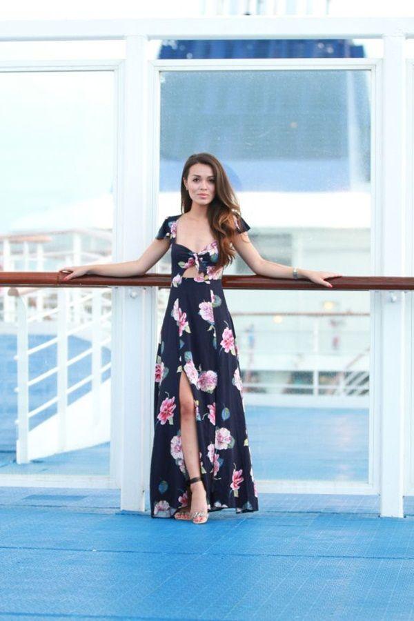 cf4ae032ec50 99 Hawaiian Outfit Ideas For Girls | true | Luau outfits, Luau party ...