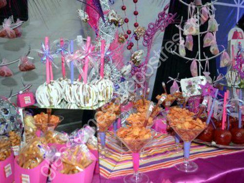 10 hermosas mesas dulces para 15 a os 2 ideas de for Mesa de dulces para 15