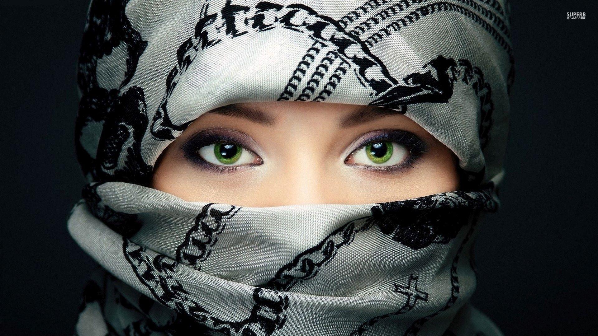 Image For Amazing Green Eyes Of An Arabian Girl Wallpaper