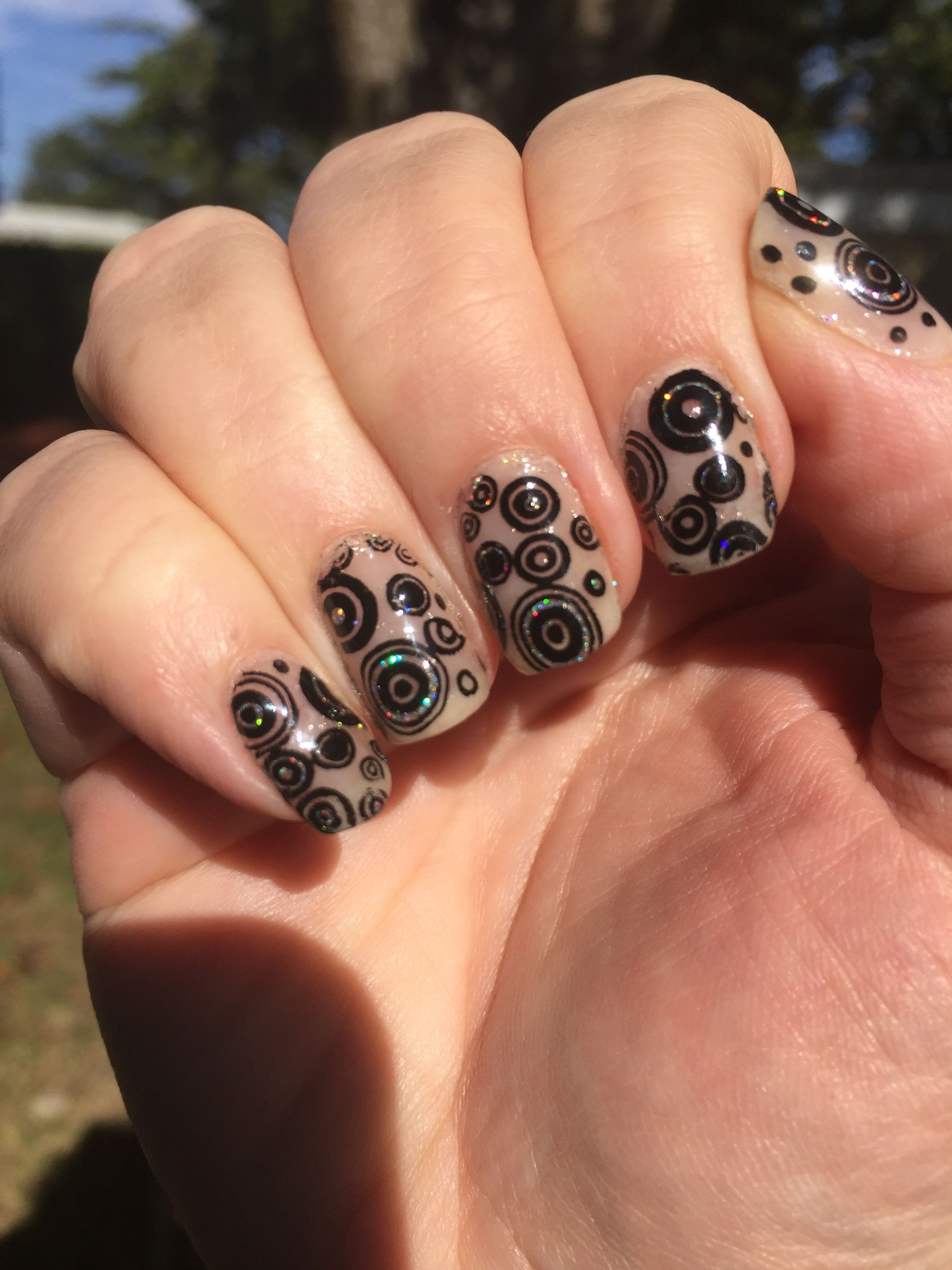 L\'Oreal Wishful Pinking stamped with MdU Black and CICI&SISI NATURE ...