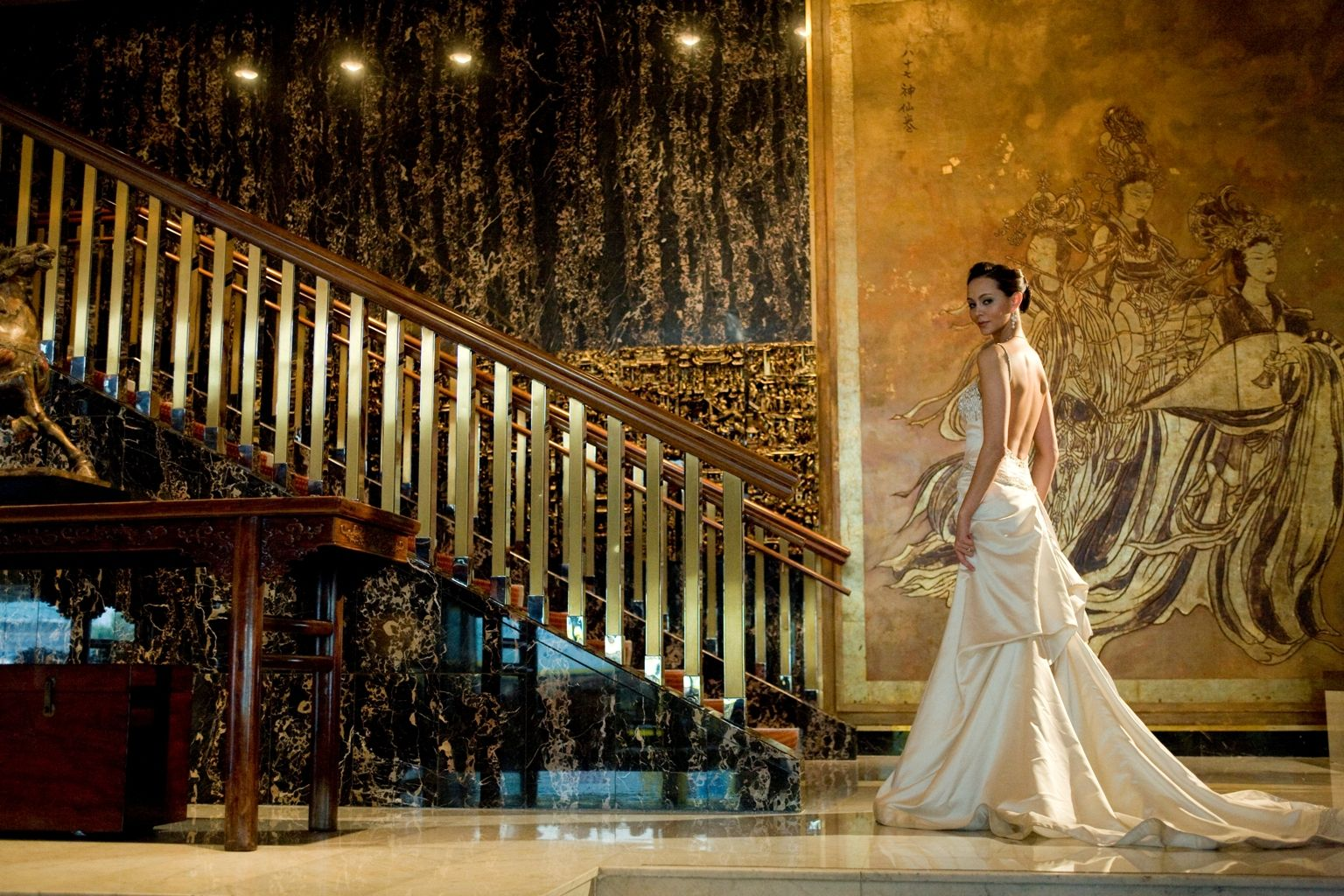 The iconic Mandarin Oriental, Hong Kong is the much loved address for those seeking an exclusive venue in which to celebrate their wedding.