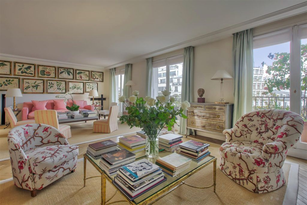 Habitually Chic For Lee Radziwill S Paris Apartment