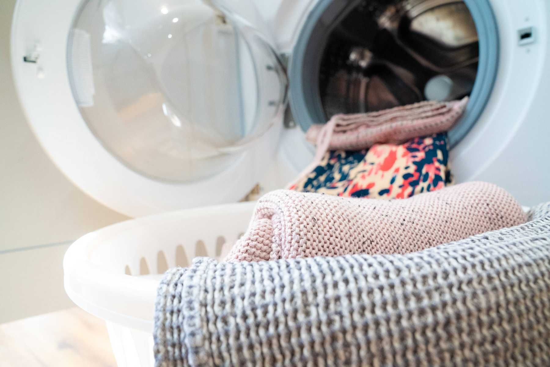 How To Get Lint Off Clothes In The Dryer