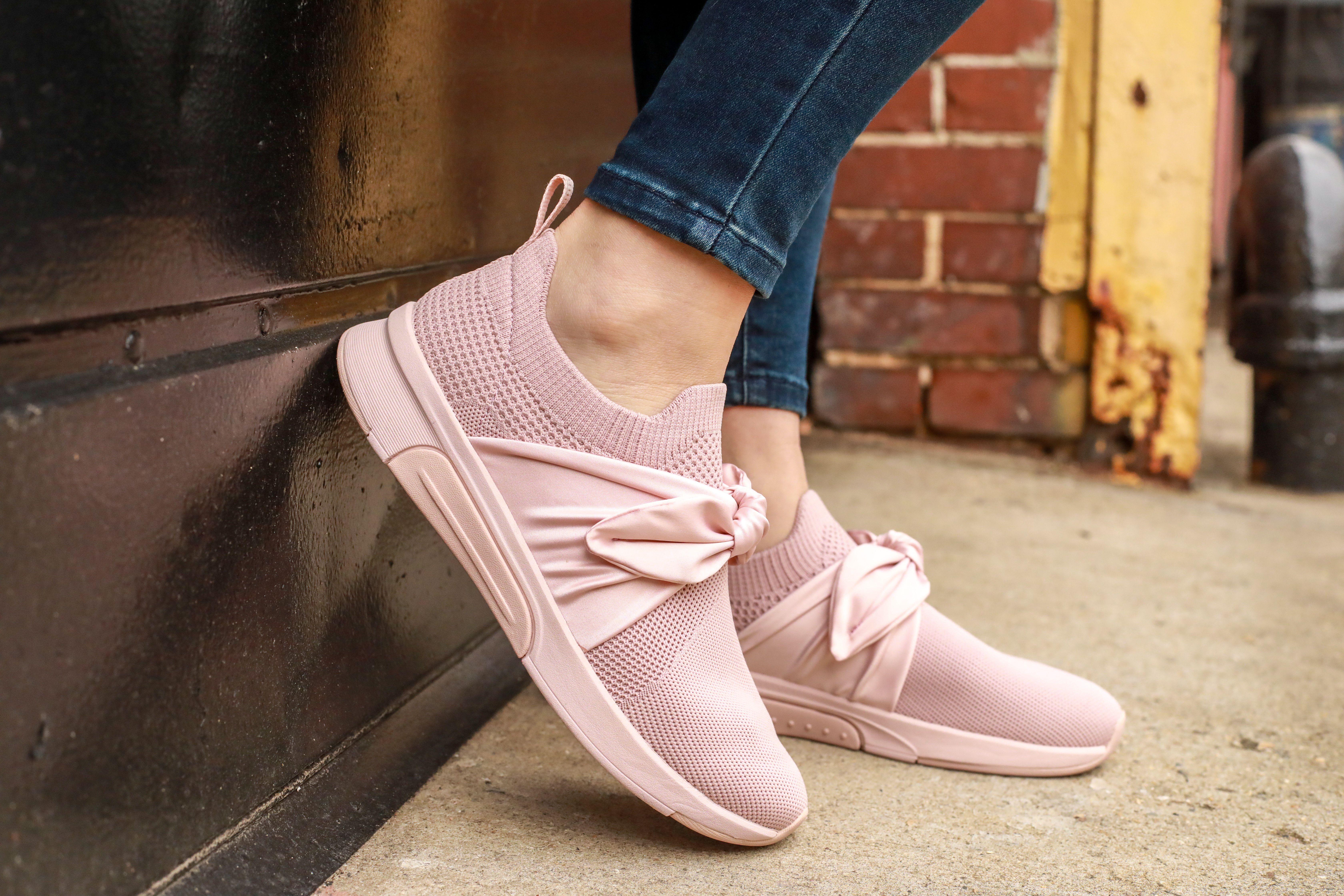 Modern Jogger Debbie | Sneakers, Adidas sneakers, Skechers
