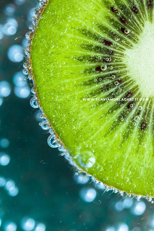 Fresh kiwi. Food photography ~ Food styling. www.flaviamorlachetti.com