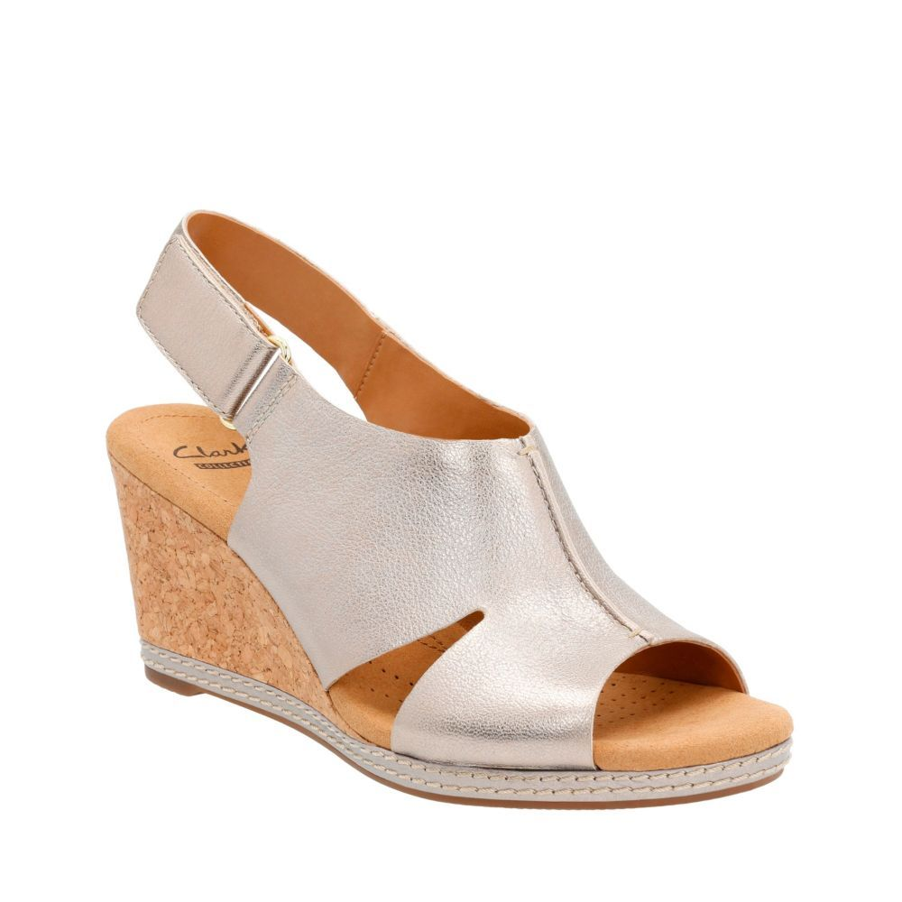 Womens Sandals Clarks Helio Float 4 Metallic